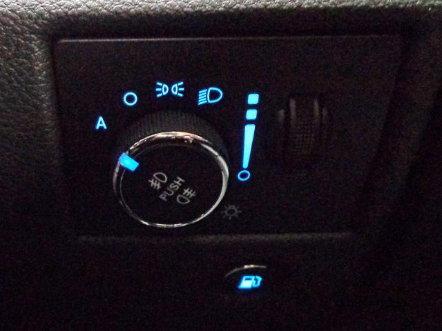 リミテッド 新車保証継承 自動ハイビーム アダプティブクルコン クォドラトラックII4×4  前後シート+ステアリングヒーター 純正ナビTV アップルアンドロイド対応 ETC ドラレコ 後カメラ 前後ソナー(19枚目)