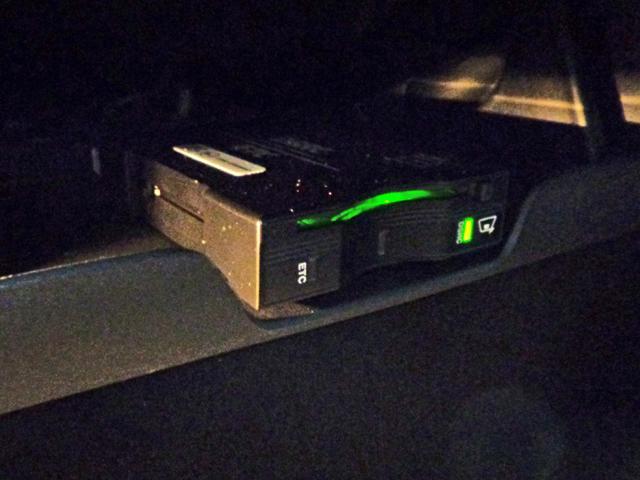 リミテッド 新車保証継承 自動ハイビーム アダプティブクルコン クォドラトラックII4×4  前後シート+ステアリングヒーター 純正ナビTV アップルアンドロイド対応 ETC ドラレコ 後カメラ 前後ソナー(21枚目)