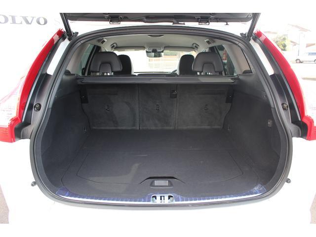 ボルボ ボルボ XC60 D4 SE レザーパッケージ ワンオーナー