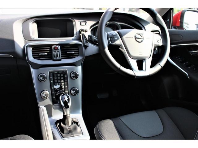 ボルボ ボルボ V40 D4 ダイナミックエディション ワンオーナー車