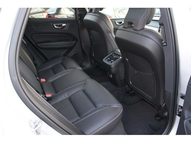 D4 AWD インスクリプション 弊社登録済み未使用車 フルレザーシート フロント・リアシートヒーター フロントシートクーラー 360度カメラ harman/kardonステレオシステム(25枚目)
