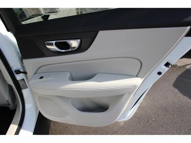 クロスカントリー T5 AWD レザーパッケージ インテリセーフ16 ナビ 360°カメラ パワーテールゲート(14枚目)
