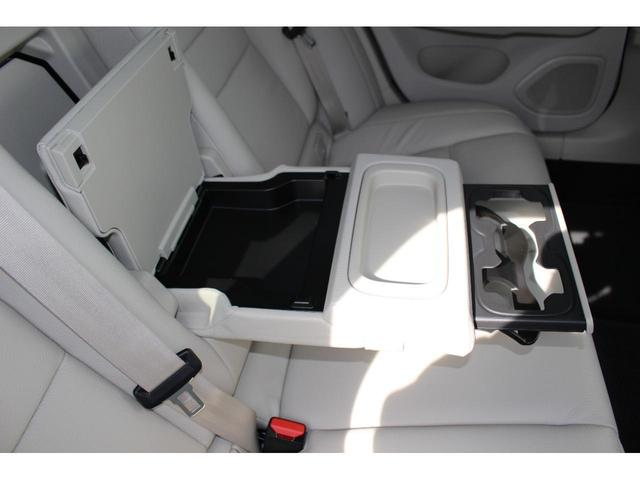 クロスカントリー T5 AWD レザーパッケージ インテリセーフ16 ナビ 360°カメラ パワーテールゲート(18枚目)