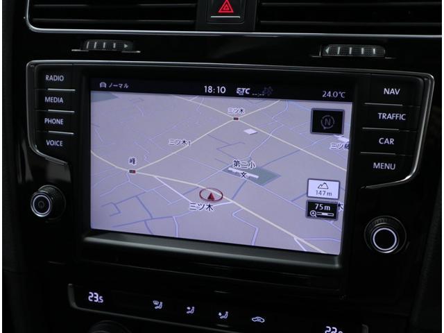 大型タッチスクリーンを採用し、CD&DVD、Bluetoothにも対応した純正ナビ「ディスカバープロ」は2016年更新済み。これが装備されているのと無いのとでは、中古車相場が明らかに違います。