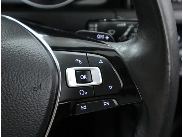 マルチファンクションスイッチを装備。各種オーディオのコントロールやBluetoothハンズフリーも操作できます。