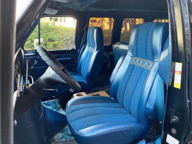「フォード」「フォード エコノライン」「ミニバン・ワンボックス」「神奈川県」の中古車10