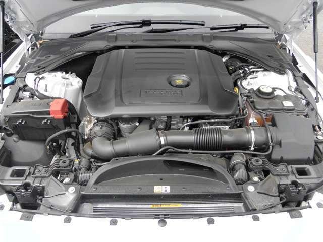 ジャガー ジャガー XE ピュア I4 200ターボチャージドエンジン