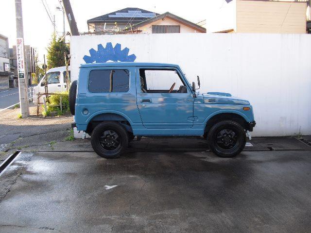 内外装共にとても綺麗なお車です。
