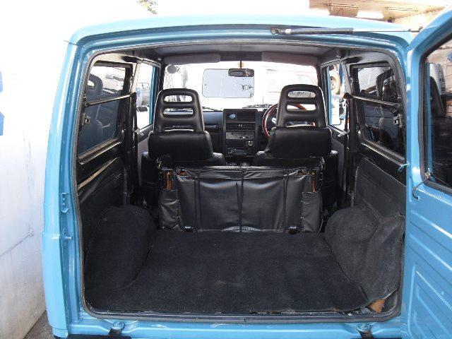 リアシートをフラットに畳めば更に大容量トランク!