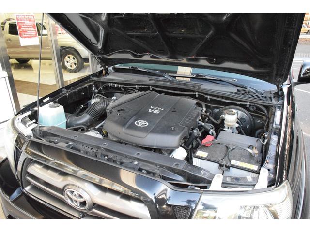 米国トヨタ タコマ ダブルキャブ TRDスポーツ 4x4 新車並行