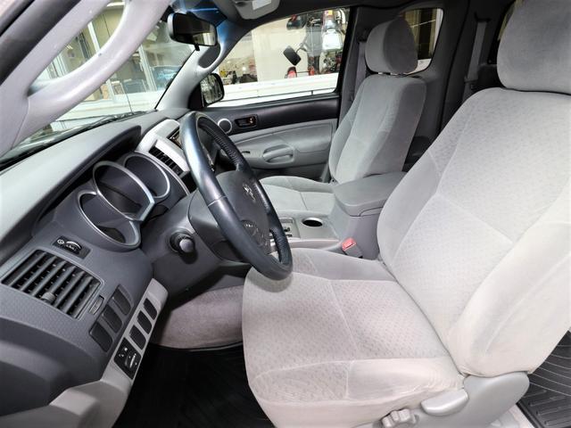 米国トヨタ タコマ アクセスキャブ SR5 2700cc 新車並行