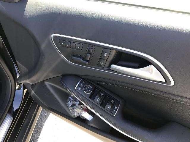 GLA250 4マチック 4WD 黒レザーシート 禁煙車(13枚目)