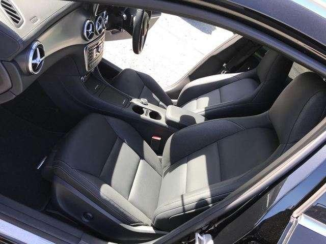 GLA250 4マチック 4WD 黒レザーシート 禁煙車(14枚目)