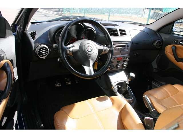 アルファロメオ アルファGT 3.2 V6 24V 左H 6速マニュアル Tベル交換済