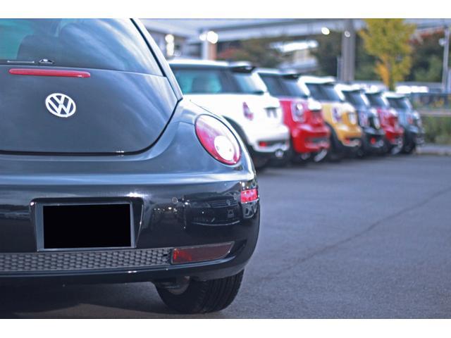 広い敷地内には、下取車を中心とした多くの車両を展示しております♪また、お車を探すこともできますのでご相談ください。