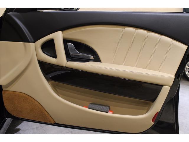マセラティ マセラティ クアトロポルテ S 後期型