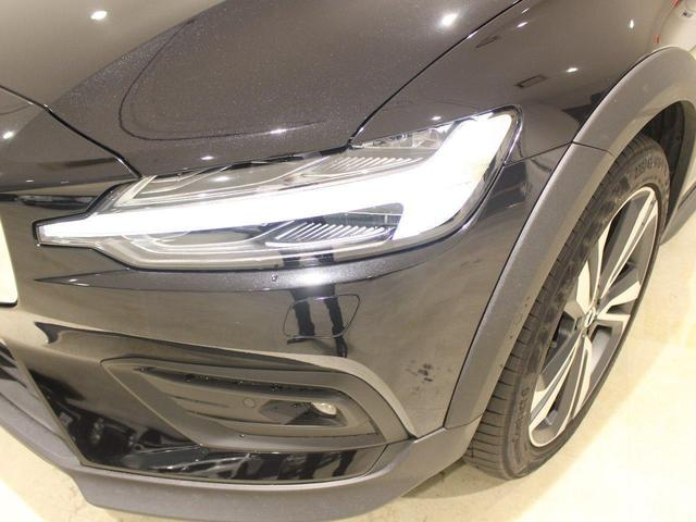クロスカントリー T5 AWD プロ 当店デモカープラスパッケージ付き パノラマサンルーフ パワーテールゲート シートヒーター ベンチレーション ステアリングヒーター 360度ビューモニター マッサージ機能 自動駐車 自走発車(13枚目)
