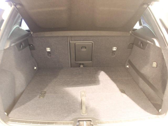 T5 AWD Rデザイン パノラマサンルーフ 地デジチューナー バックカメラ インテリセーフ ワンオーナー禁煙車 20インチアルミ(24枚目)