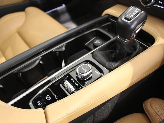 T6 AWD インスクリプション ワンオーナー禁煙車 パノラマサンルーフ パワーテールゲート 純正ホイールあり(20枚目)