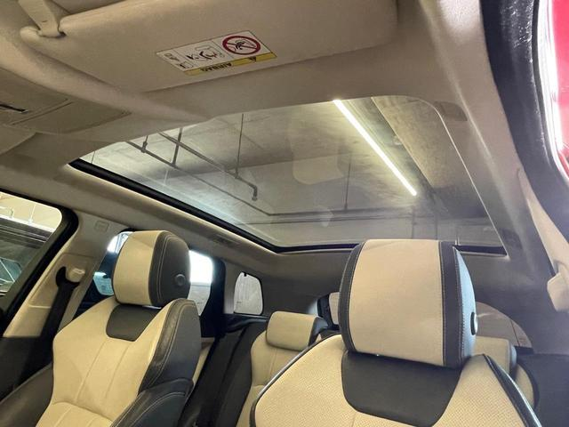 SEプラス 車検整備付 ツートンレザーシート ブラックパック パノラマミックルーフ 360°カメラ 18インチAW MERIDIANサラウンド レーンディパーチャーワーニング 自動軽減ブレーキ パワーテールゲート 地デジTV(12枚目)