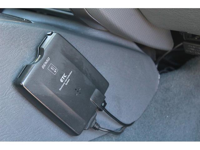 クライスラー・ジープ クライスラージープ チェロキー レネゲード ETC 社外フロントフォグライト付き