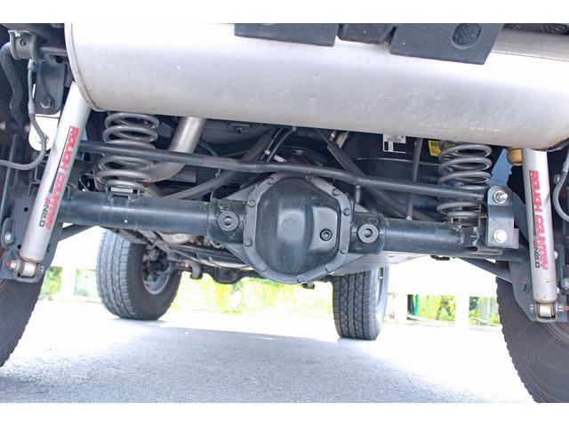 クライスラー・ジープ クライスラージープ ラングラーアンリミテッド スポーツ リフトアップ FUEL17インチアルミ カスタム車