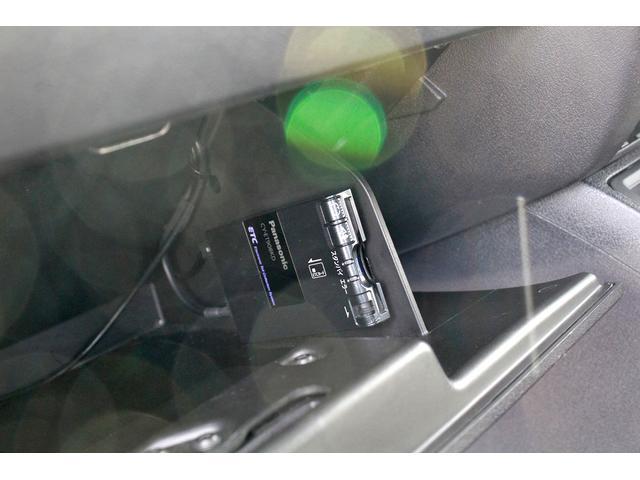 リミテッド ブラックレザーシート/ストラーダナビ/フルセグTV/バックカメラ/ETC/パワーシート/シートヒーター/サイドカメラ/ルーフレール/LEDヘッドライト/フォグランプ/ブラックベリーP/C(11枚目)