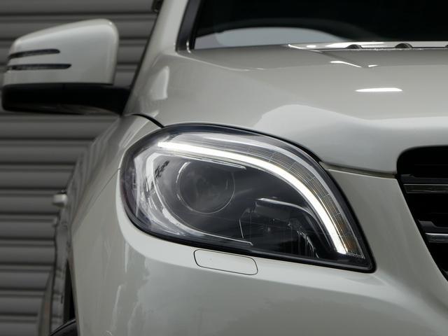 綺麗な外装色ダイヤモンドホワイト!! AMGスポーツパッケージ専用エクステリア&20インチアルミホイール、純正アルミランニングボードが迫力有るエクステリアを演出!!