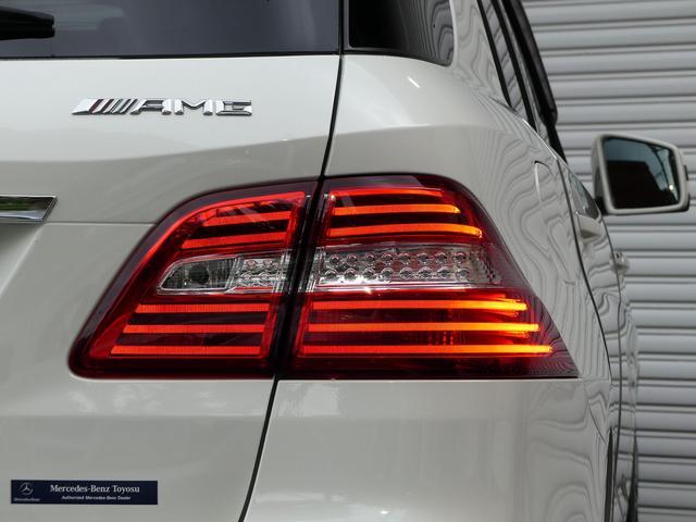 SUV特有の使用感はとても少なく室内はエクスクルーシブPKGならではのブラックナッパレザー/本革シートに快適な全席シートヒーターが装備され