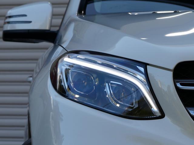 綺麗な外装色ダイヤモンドホワイト迫力有るスポーツ専用AMGエクステリア!!SUV特有の使用感はとても少なく心地よい禁煙の室内は落ち着いたブラックナッパレザーシートにスポーツならではの全席シートヒーター
