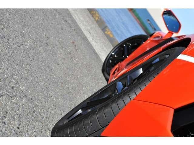 ランボルギーニ ランボルギーニ アヴェンタドール LP700-4 4WD 禁煙車 屋根保管車 医療法人1オーナ