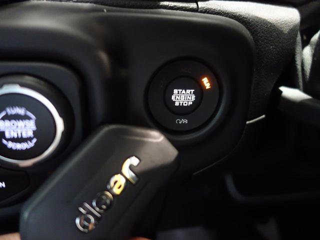 アンリミテッドスポーツ 2020年最終モデル 4ドア新車保証 7インチタッチパネルモニターカープレイ対応 バックモニター サイドモニター フロントモニター スピーカー(8基)運転席高さ調整機能 サイドステップ アダプティブクルーズコントロール(27枚目)