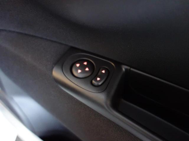 ベースグレード 右マニュアルシフト カープレイ対応オーディオ バイキセノンヘッドライト フロントフォグランプ ヒーテッド電動ドアミラー 自動防眩ルームミラー 7インチタッチパネルモニターApple CarPlay 16インチ8スポークアルミホイール(29枚目)