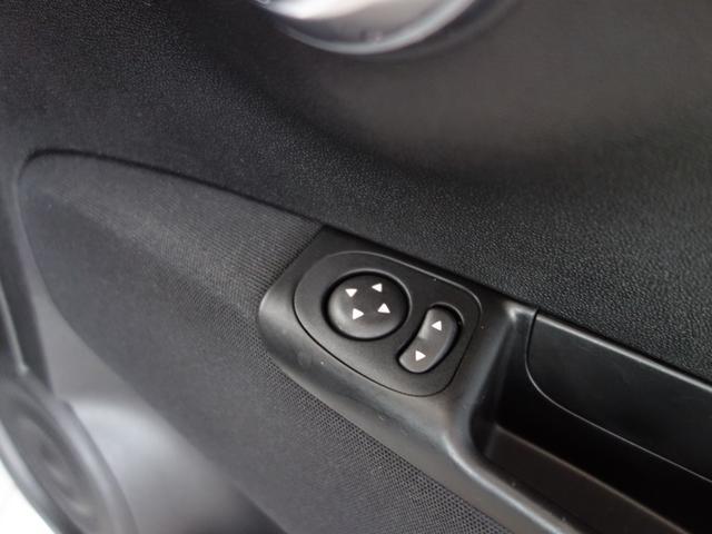 ベースグレード 16バルブインタークーラー付ターボ5速MTA バイキセノンヘッドライト LEDデイランプ 自動防眩ルームミラー スポーツペダル 16インチ8スポークアルミホイール 7インチタッチパネルモニターAppleCarPlay リアパーキングセンサー(16枚目)
