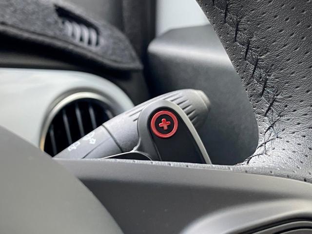 ベースグレード 16バルブインタークーラー付ターボ5速MTA バイキセノンヘッドライト LEDデイランプ 自動防眩ルームミラー スポーツペダル 16インチ8スポークアルミホイール 7インチタッチパネルモニターAppleCarPlay リアパーキングセンサー(20枚目)