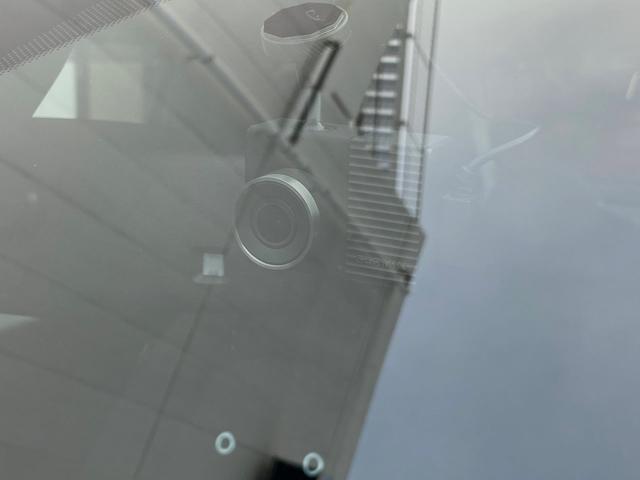 ベースグレード 16バルブインタークーラー付ターボ5速MTA バイキセノンヘッドライト LEDデイランプ 自動防眩ルームミラー スポーツペダル 16インチ8スポークアルミホイール 7インチタッチパネルモニターAppleCarPlay リアパーキングセンサー(28枚目)