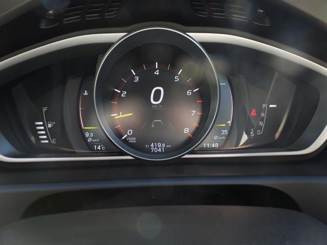 ボルボ ボルボ V40 クロスカントリー T5 AWD サマム 元弊社試乗車