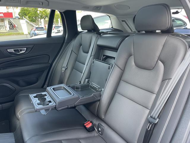 T6 ツインエンジン AWD インスクリプション 元弊社試乗車 サンルーフ 19インチアルミ 360度カメラ HDDナビ ナッパレザー キーレス(32枚目)