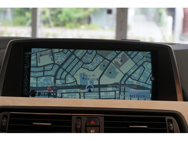 純正HDDカーナビゲーションシステムはBlutoothに対応。リヤビューカメラも備わっています。