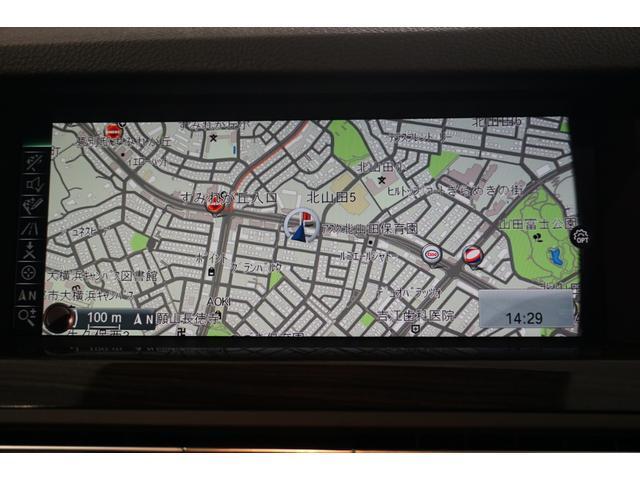 純正HDDカーナビゲーションシステムはBluetoothに対応。リヤビューカメラも備わっています。