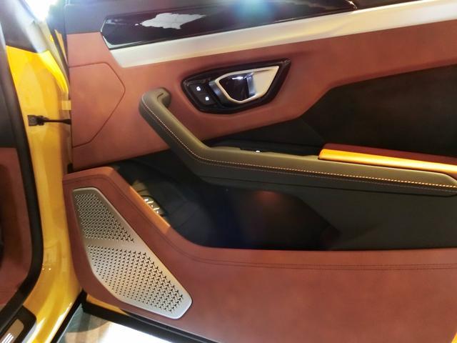 「ランボルギーニ」「ランボルギーニ ウルス」「SUV・クロカン」「神奈川県」の中古車23