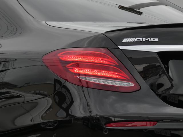 E43 4マチック パノラマサンルーフ ベージュ革 レーダーセーフティPKG ヘッドアップディスプレイ 360度カメラ AMG専用20インチアルミホイール 禁煙車輌(5枚目)