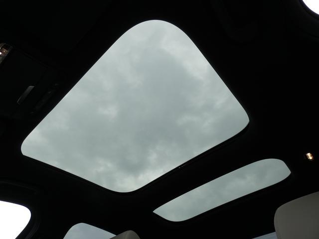 E43 4マチック パノラマサンルーフ ベージュ革 レーダーセーフティPKG ヘッドアップディスプレイ 360度カメラ AMG専用20インチアルミホイール 禁煙車輌(8枚目)