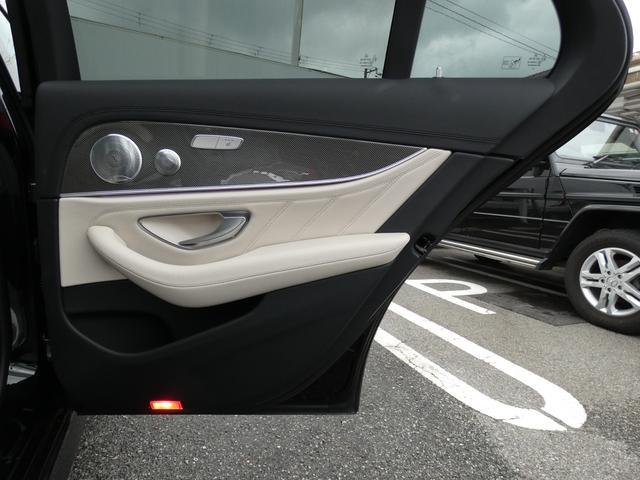 E43 4マチック パノラマサンルーフ ベージュ革 レーダーセーフティPKG ヘッドアップディスプレイ 360度カメラ AMG専用20インチアルミホイール 禁煙車輌(46枚目)