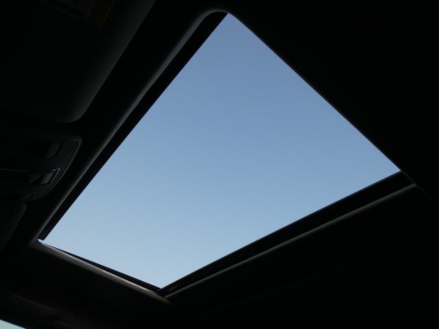 G350d サンルーフ ブラックレザー ブラインドスポットアシスト ディストロニックプラス モリー付パワーシート 全席シートヒーター バイキセノンヘッドライト純正HDDナビ 地デジ Bカメラ 18AW 禁煙(8枚目)