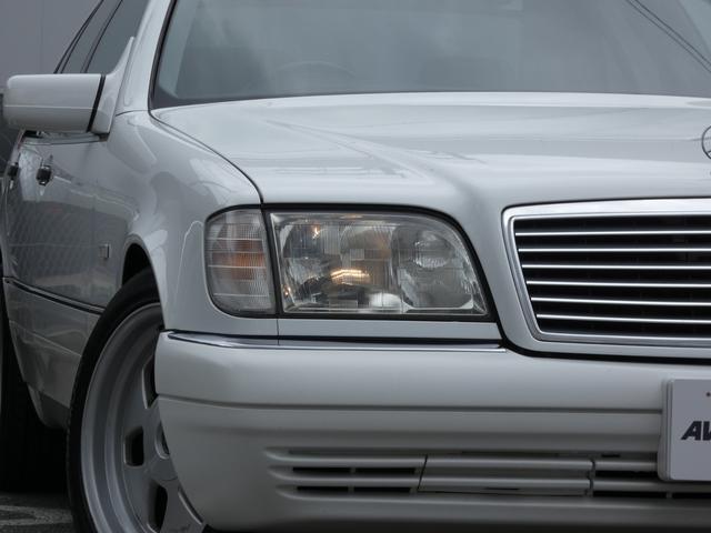 S320 最終型 5AT ブラックレザーシート 社外18AW 右ハンドル ETC クルーズコントロール 電動格納ミラー ウッドパネル 電動チルト本革巻ステアリング下取車 正規ディーラー車(4枚目)