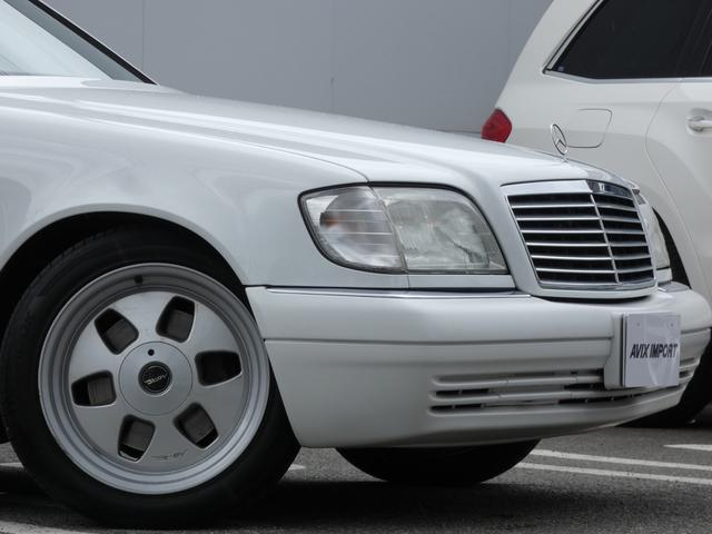 S320 最終型 5AT ブラックレザーシート 社外18AW 右ハンドル ETC クルーズコントロール 電動格納ミラー ウッドパネル 電動チルト本革巻ステアリング下取車 正規ディーラー車(6枚目)