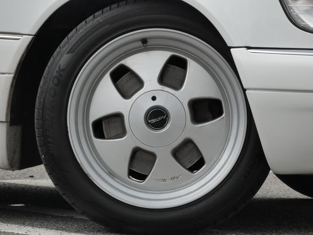S320 最終型 5AT ブラックレザーシート 社外18AW 右ハンドル ETC クルーズコントロール 電動格納ミラー ウッドパネル 電動チルト本革巻ステアリング下取車 正規ディーラー車(7枚目)