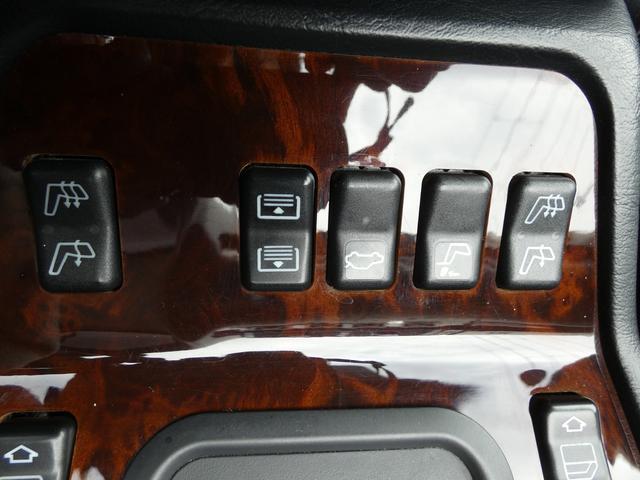 S320 最終型 5AT ブラックレザーシート 社外18AW 右ハンドル ETC クルーズコントロール 電動格納ミラー ウッドパネル 電動チルト本革巻ステアリング下取車 正規ディーラー車(12枚目)