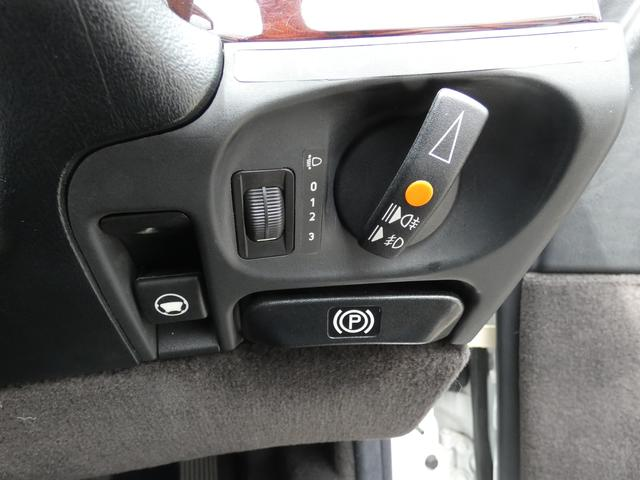 S320 最終型 5AT ブラックレザーシート 社外18AW 右ハンドル ETC クルーズコントロール 電動格納ミラー ウッドパネル 電動チルト本革巻ステアリング下取車 正規ディーラー車(15枚目)